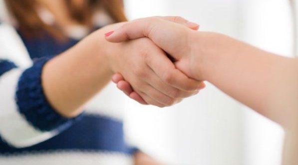 Передается ли псориаз от человека к человеку, по наследству, можно ли заразиться при контакте половым путем