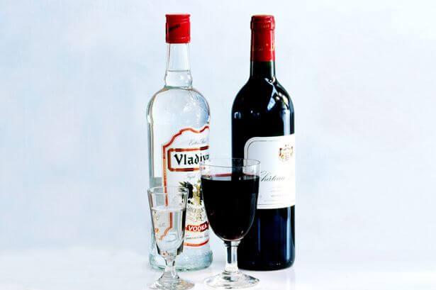 Можно ли пить вино или водку