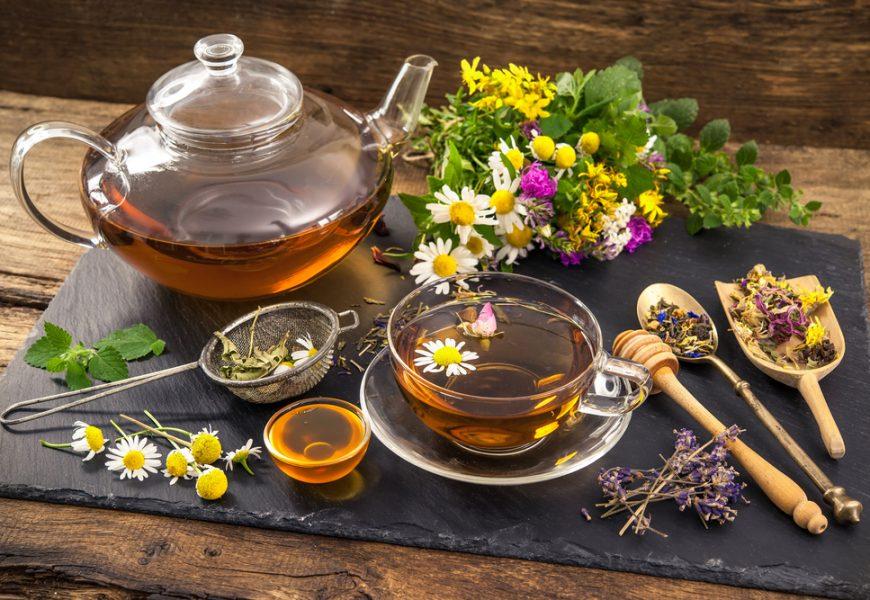 Пить травяные чаи