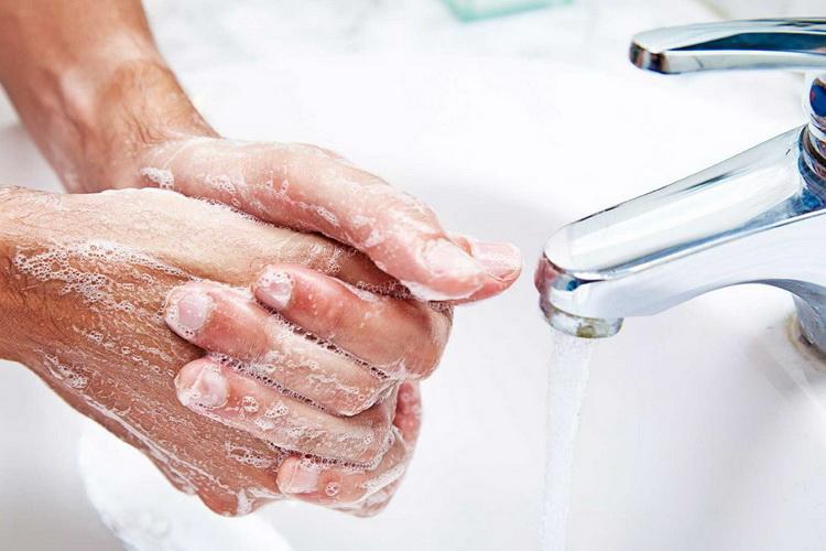 Регулярно мойте руки